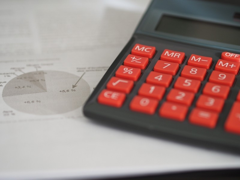 business-calculator-calculation-insurance-finance-2.jpg